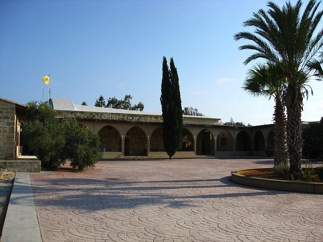 Кошачий монастырь Святого Николая - достопримечательности Лимассола