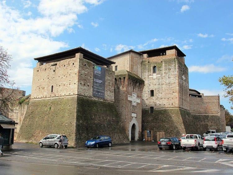 Замок Сисмондо - достопримечательности Римини