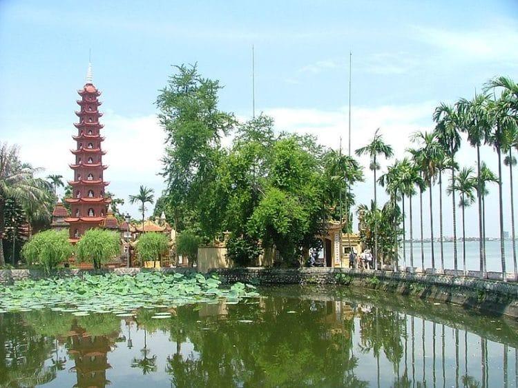 Пагода Чанкуок - достопримечательности Ханоя