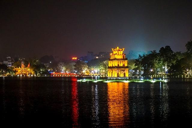 Озеро Возвращённого Меча - достопримечательности Ханоя