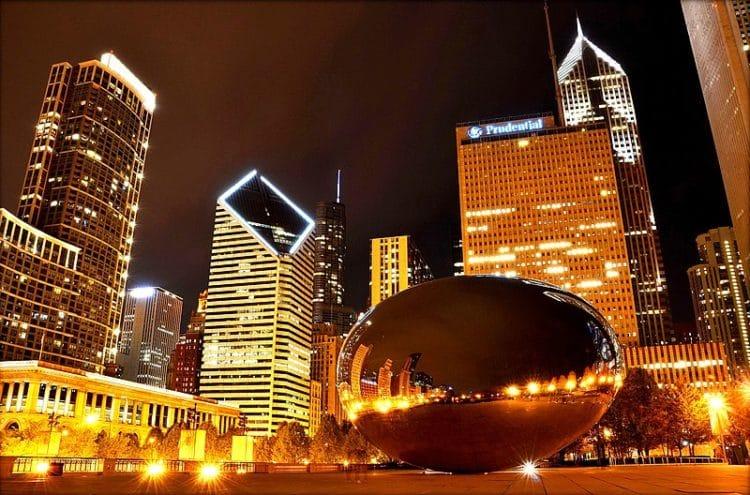 Клауд-Гейт - домтопримечательности Чикаго