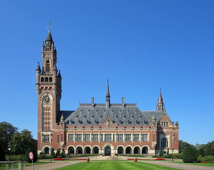 Дворец Мира - достопримечательности Гааги