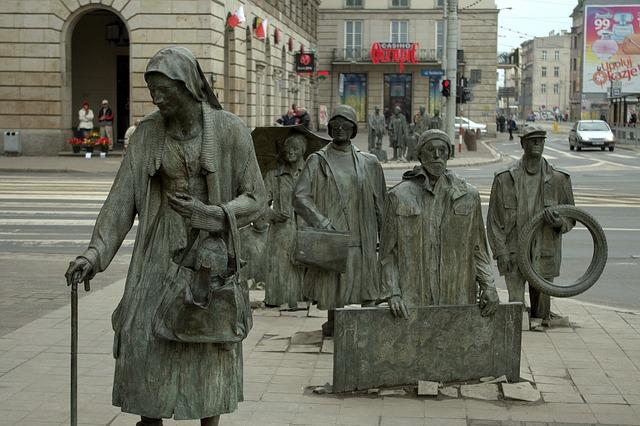 Скульптурная группа «Переход 1977-2005» - достопримечательности Вроцлава
