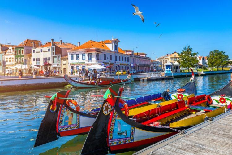Город Авейру в Португалии