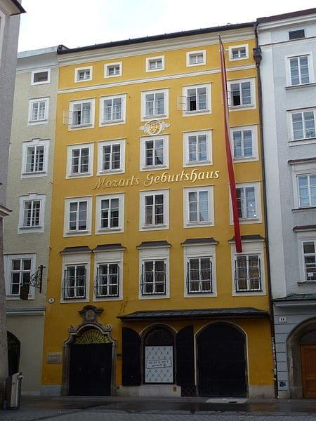 Дом рождения Моцарта - достопримечательности Зальцбурга