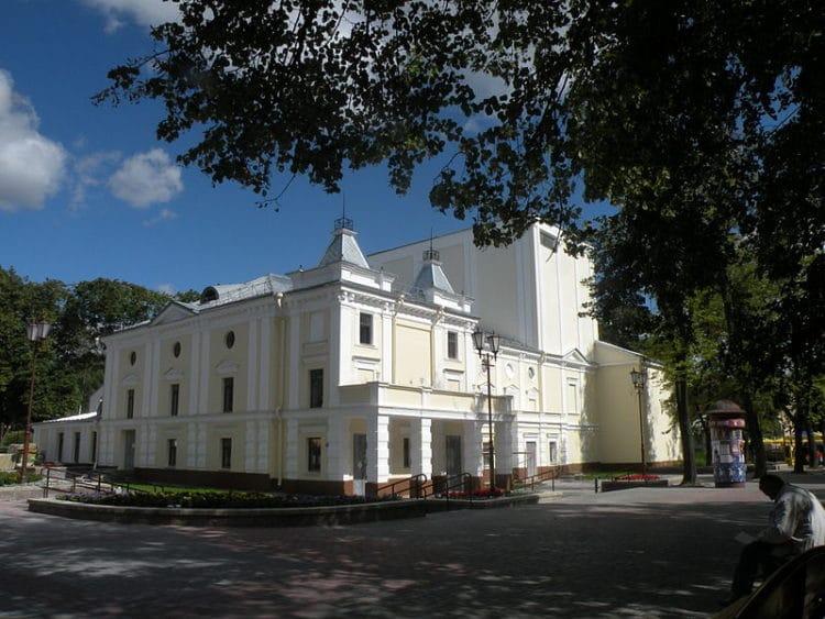 Гродненский областной театр кукол - достопримечательности Гродно