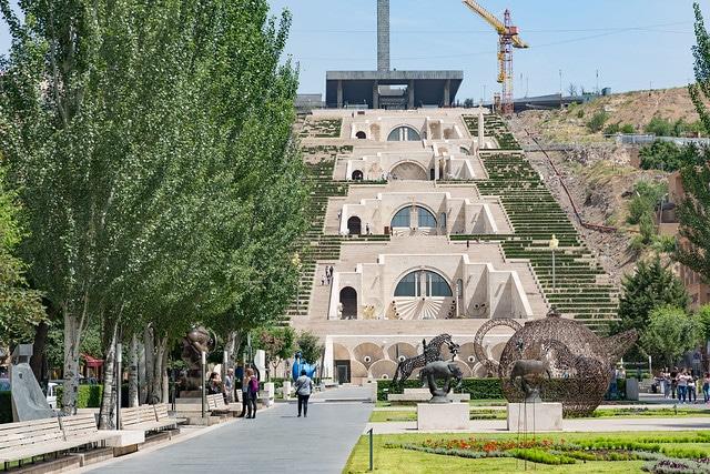 Ереванский каскад в Армении