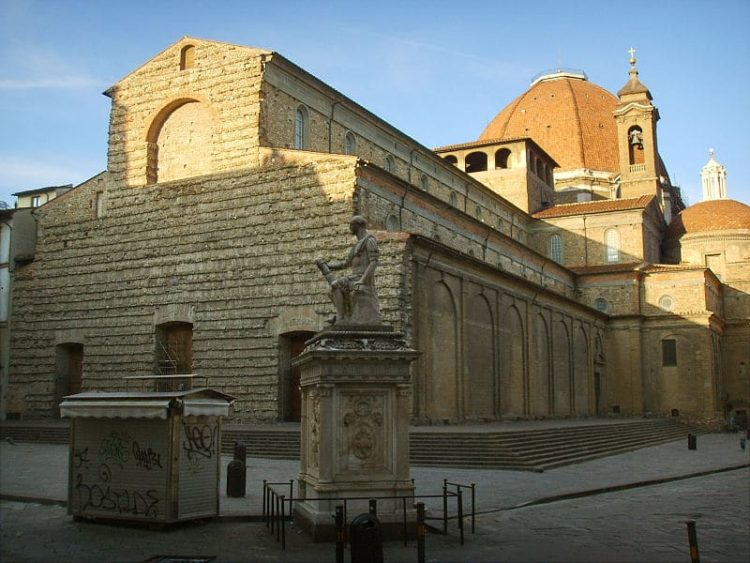 Базилика Сан-Лоренцо в Италии