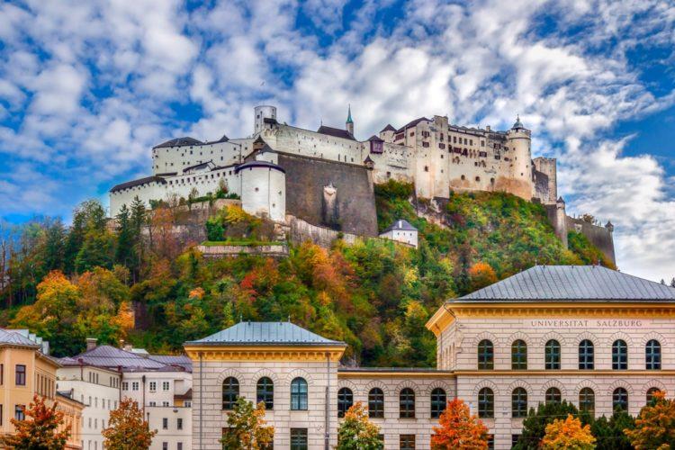 Замок Хоэнзальцбург в Австрии