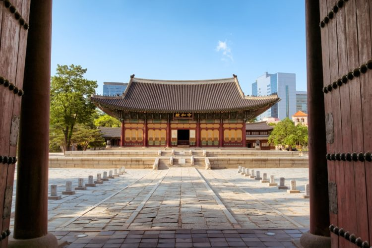 Дворцовый комплекс Токсугун в Южной Корее