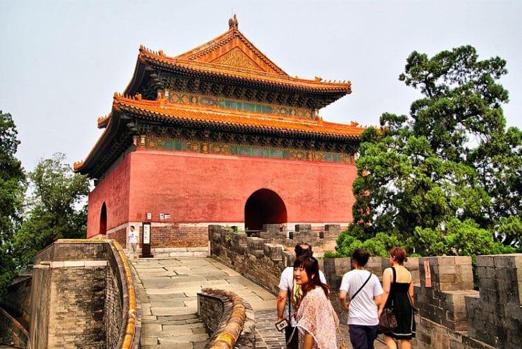Гробницы императоров династии Мин в Китае