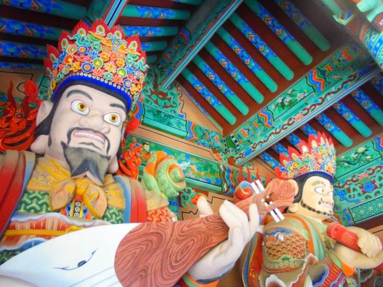 Храм Помоса в Южной Корее