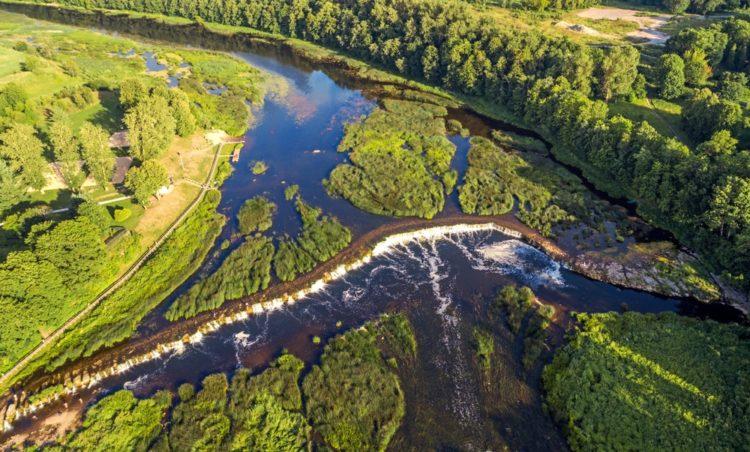 Водопад на реке Венте в Латвии