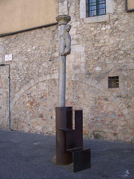 Скульптура «Жиронская львица» - достопримечательности Жироны