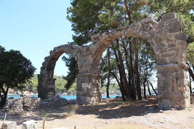 Древний город Фазелис в Турции