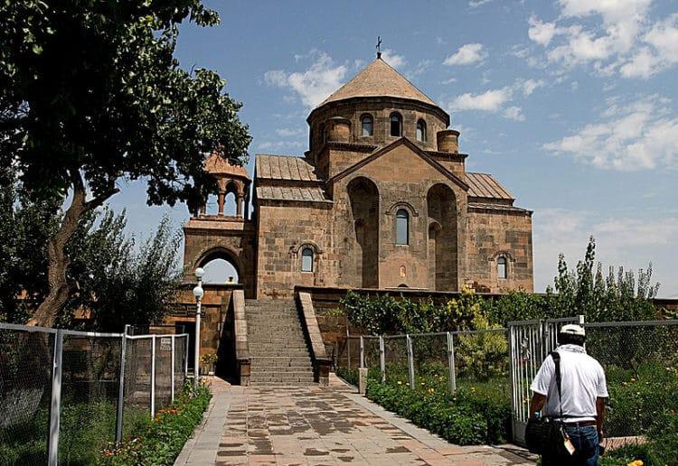 Церковь Святой Рипсиме в Армении