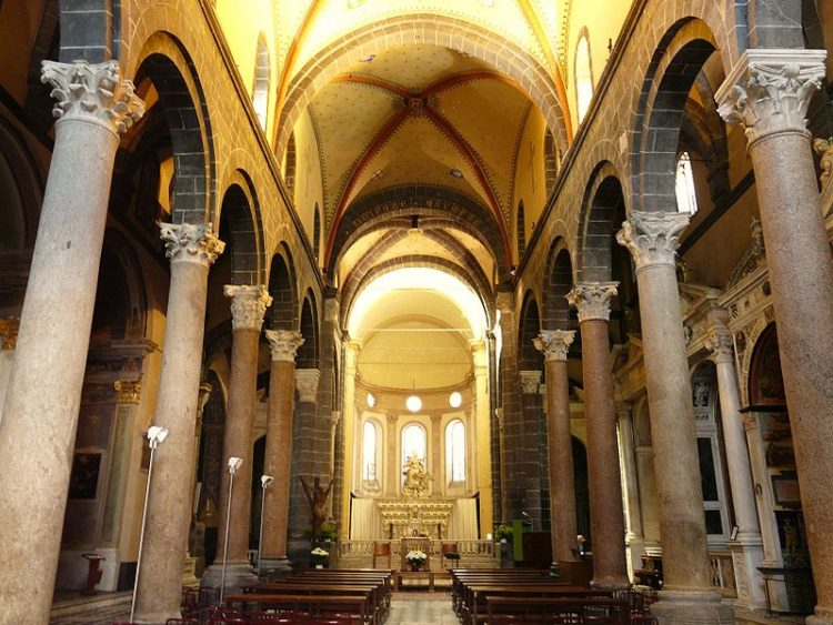 Церковь Санта Мария ди Кастелло - достопримечательности Генуи