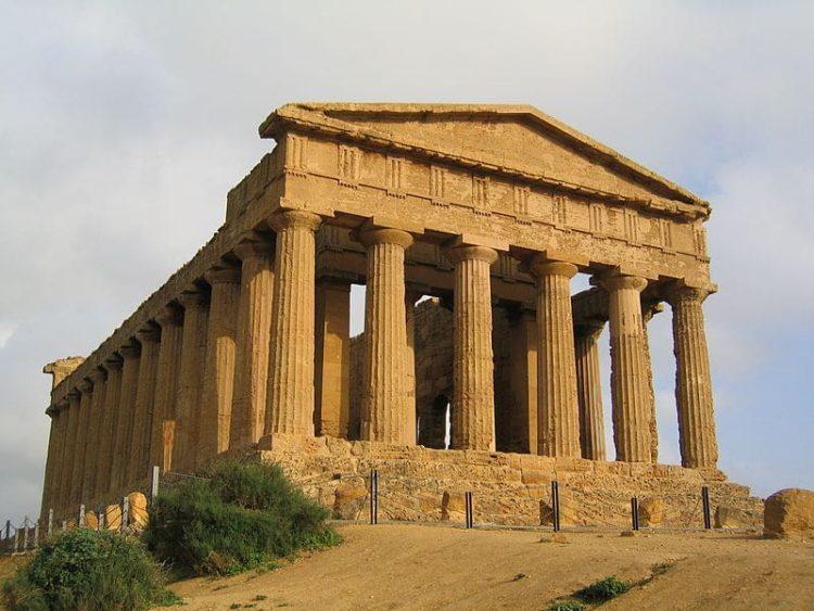 Долина храмов в Агридженто в Италии