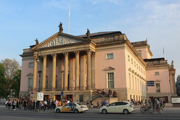 Берлинская государственная опера в Германии