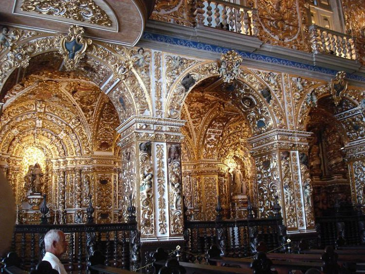 Церковь Сан-Франциско в Бразилии