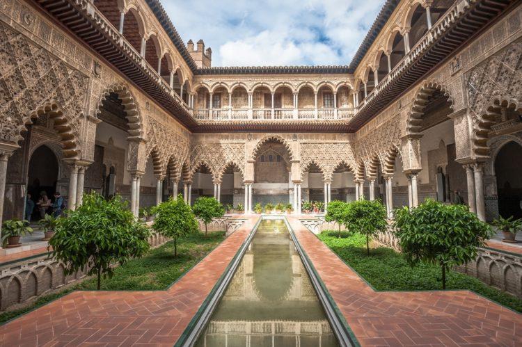 Севильский Алькасар в Испании