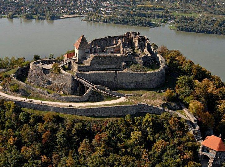 Вышеградская крепость в Венгрии