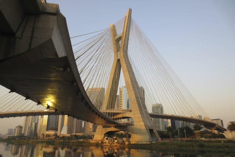 Мост Октавио Фриас де Оливейра в Бразилии