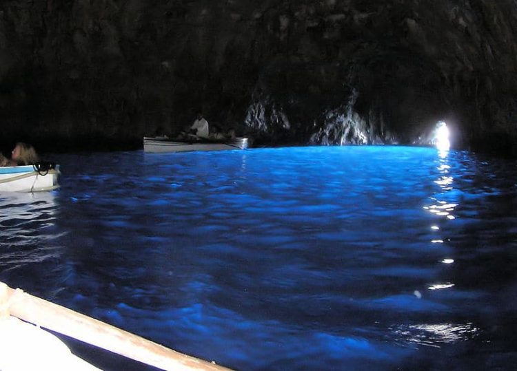 Голубой грот в Италии