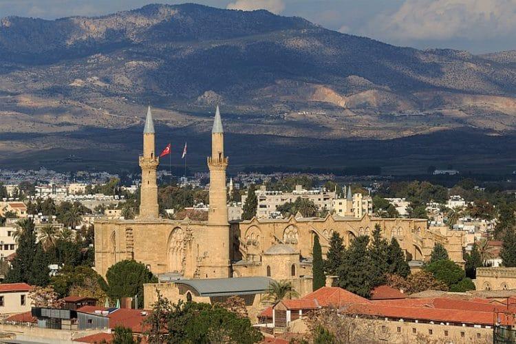Мечеть Селимие в Никосии на Кипре