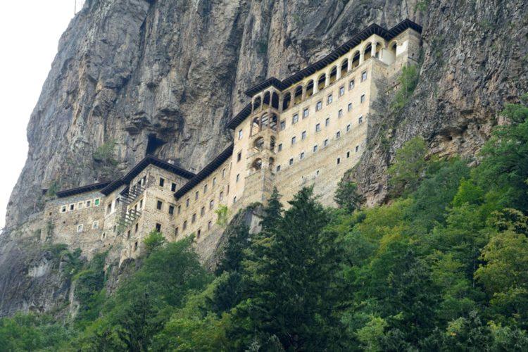 Монастырь Панагия Сумела в Турции