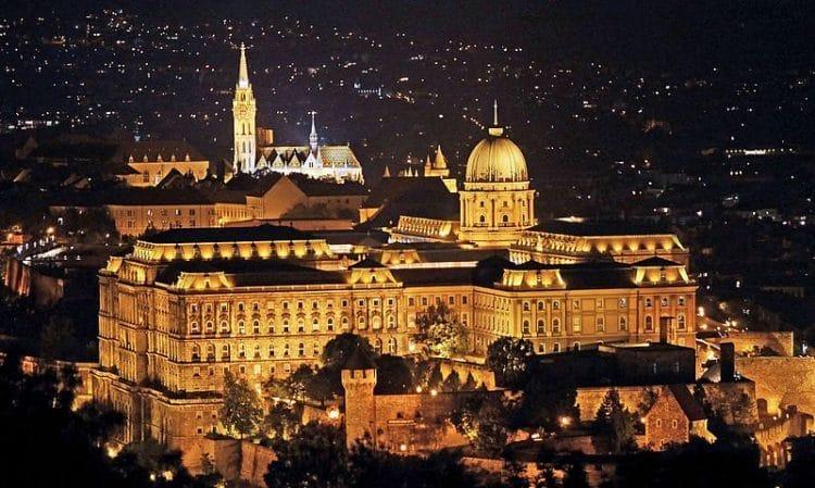 Будайская крепость в Венгрии