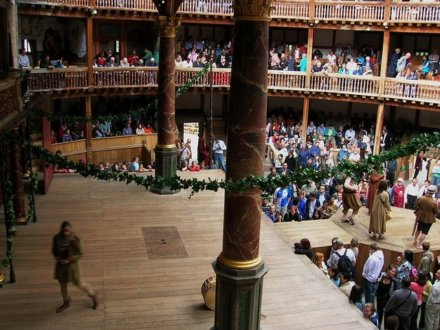 Театр Глобус в Англии