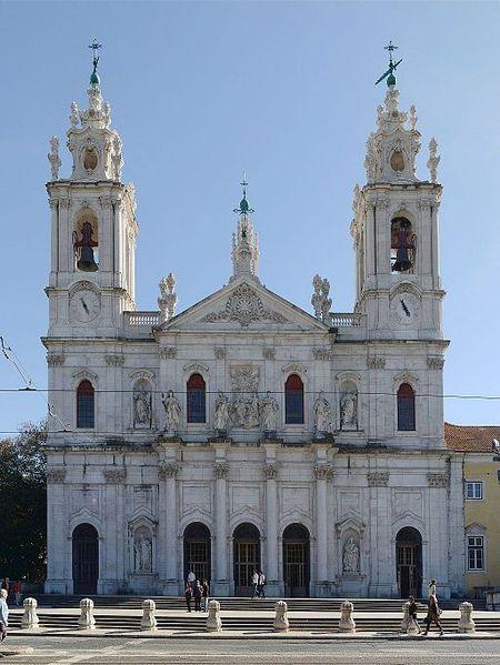 Базилика-да-Эштрела в Португалии