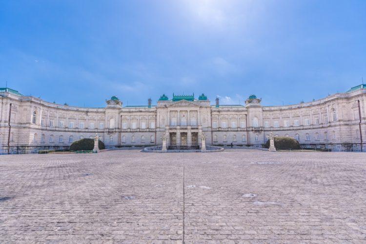 Дворец Акасака в Японии