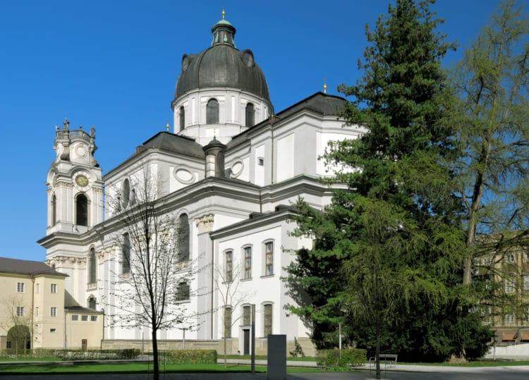 Церковь Коллегиенкирхе - достопримечательности Зальцбурга