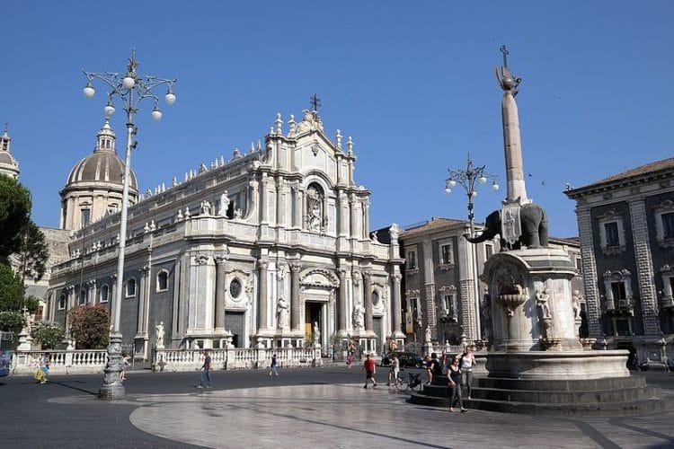 Соборная площадь - достопримечательности Катании