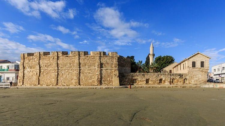 Ларнакский замок - достопримечательности Ларнаки