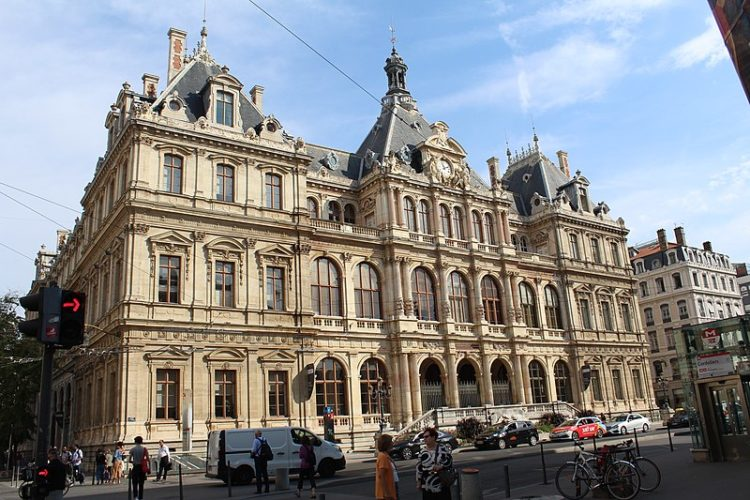 Дворец Биржи во Франции