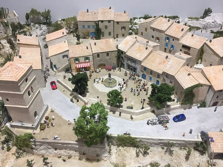 Парк развлечений Mini World Lyon во Франции