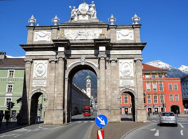 Триумфальная арка - достопримечательности Инсбрука