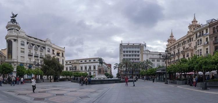 Площадь Тендильяс - достопримечательности Кордовы