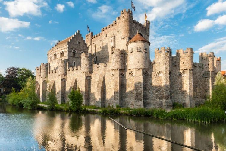 Замок графов Фландрии - достопримечательности Гента