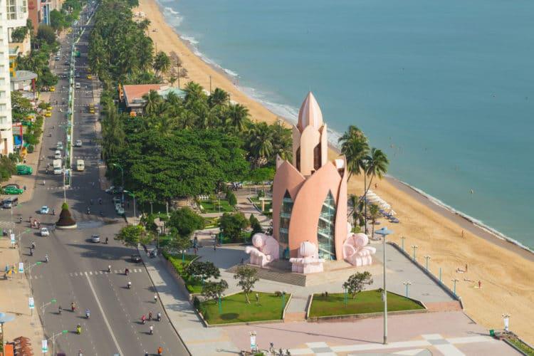 Башня «Лотос» - достопримечательности Нячанга
