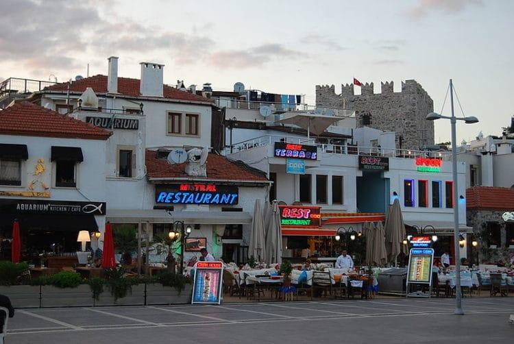 Улица баров - достопримечательности Мармариса