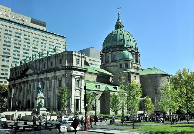 Собор Марии Царицы Мира - достопримечательности Монреаля