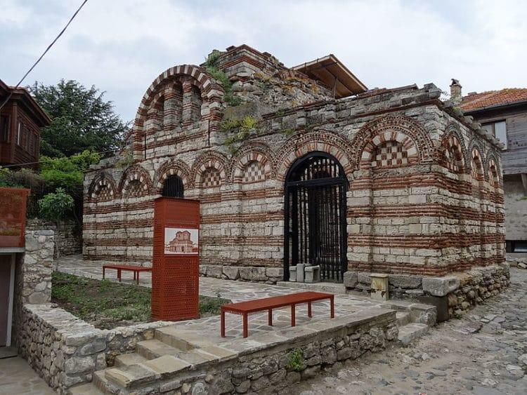 Церковь Святых Архангелов Михаила и Гавриила - достопримечательности Несебра