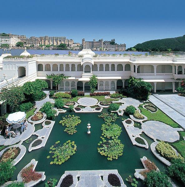 Дворец озера Пикола в Индии